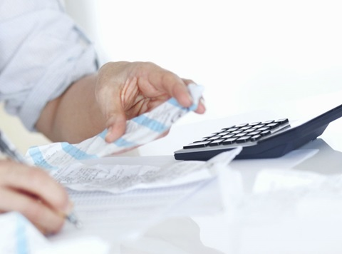 calculating receipts with a calculator